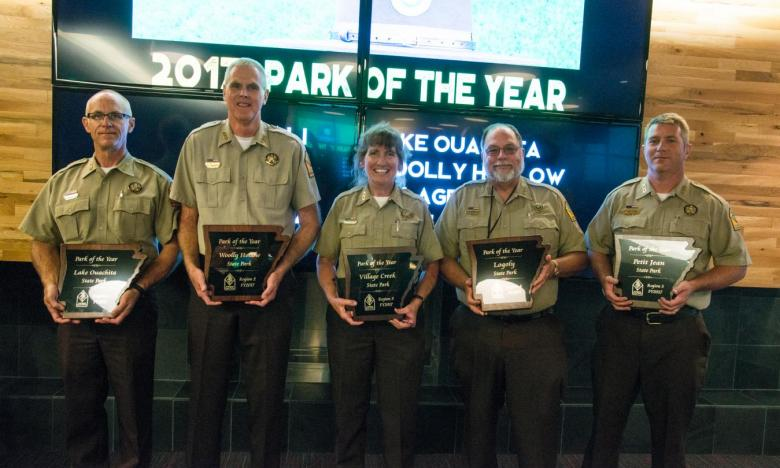 Group shot of 2017 Park of the Year Award Winners