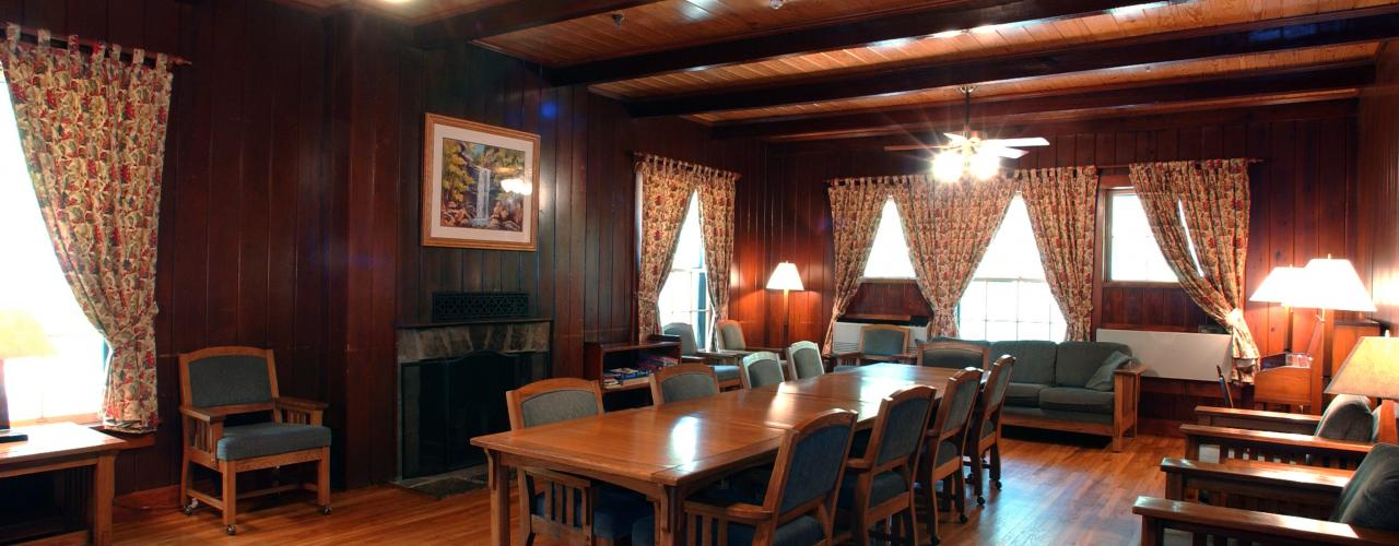 Petit Jean State Park Lodge Room