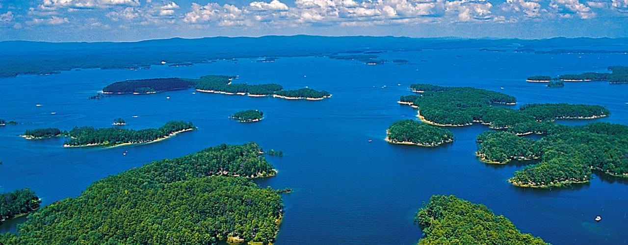 Scenic View of Lake Ouachita State Park