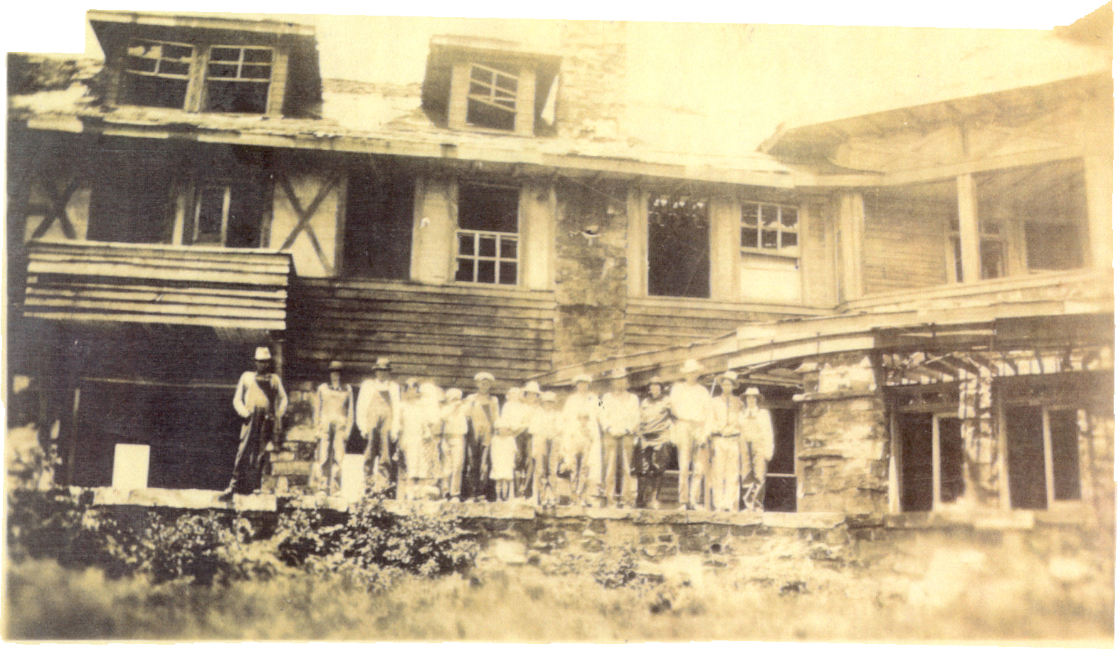 The Queen Wilhelmina Lodge has been a popular photo back drop, no matter it's condition at the time.