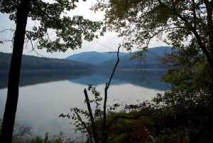 lake_fort_smith_from_ozark_highlands_trail