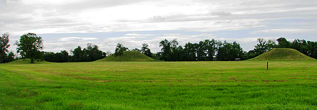 Mound A is the tallest mound in Arkansas at approximately 49 ½ ft tall. That's almost the size of a 5 story building. Mound B is 39 ½ ft tall and mound c is 10-12 ft. tall. It has been estimated that it would take approximately 753,280 baskets full of dirt to make mound A.